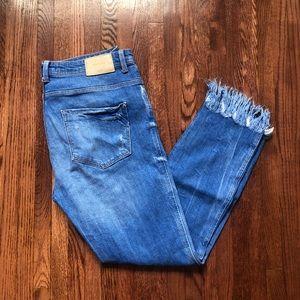 🔴 SALE Zara boyfriend jeans with fringe
